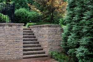 009-hardscape-wall-stairs