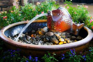 water-feature-outdoor-landscape-lighting